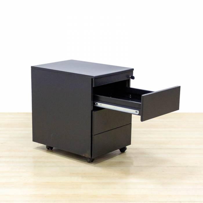 Cajonera móvil Mod. FENTOS. Fabricada en metal color negro. Tres cajones. Antivuelco.