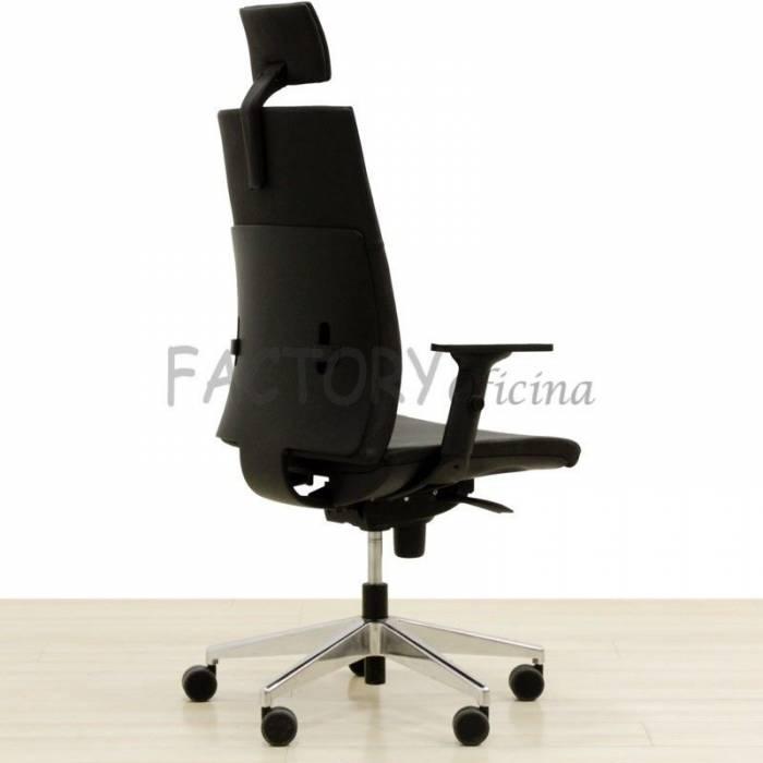Conjunto. Cadeira Operativa e Duas Cadeiras Confiantes