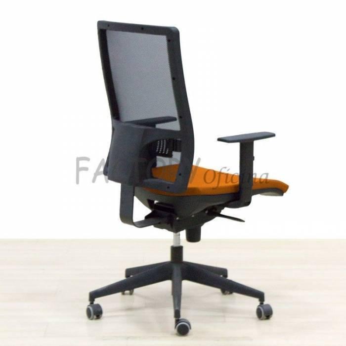 Cadeira de tarefas laranja