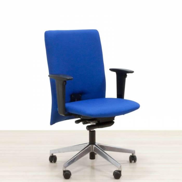Cadeira Reupholstered Task Blue