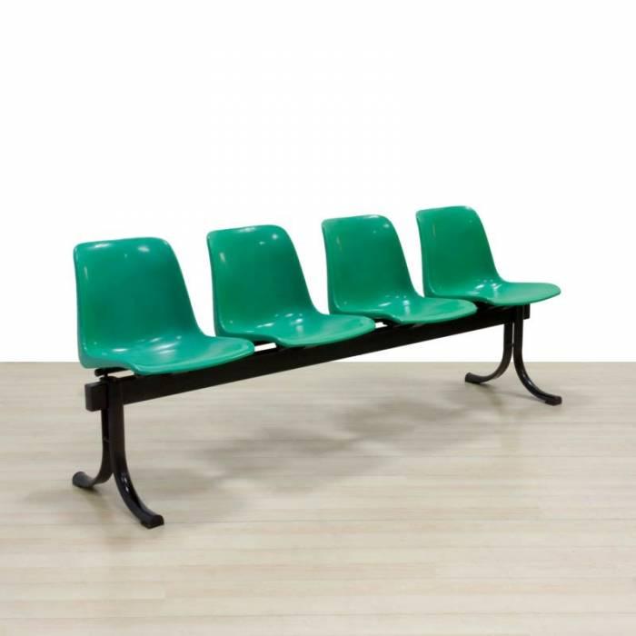 Banco Mod. SIT, quatro assentos na cor verde, estrutura de aço na cor preta.