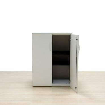 Armario Medio STEELCASE Mod. CAPA, estructura metálica, tapa y puertas en madera.
