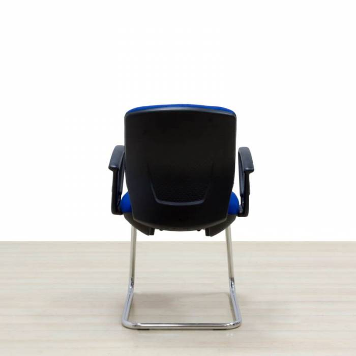 Cadeira Confida Reupholstered Mod. KARMA