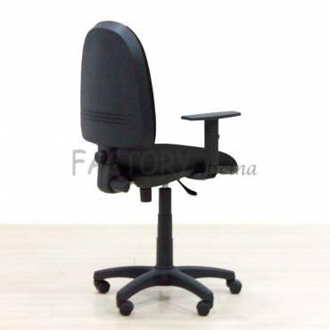 Cadeira de tarefas preta