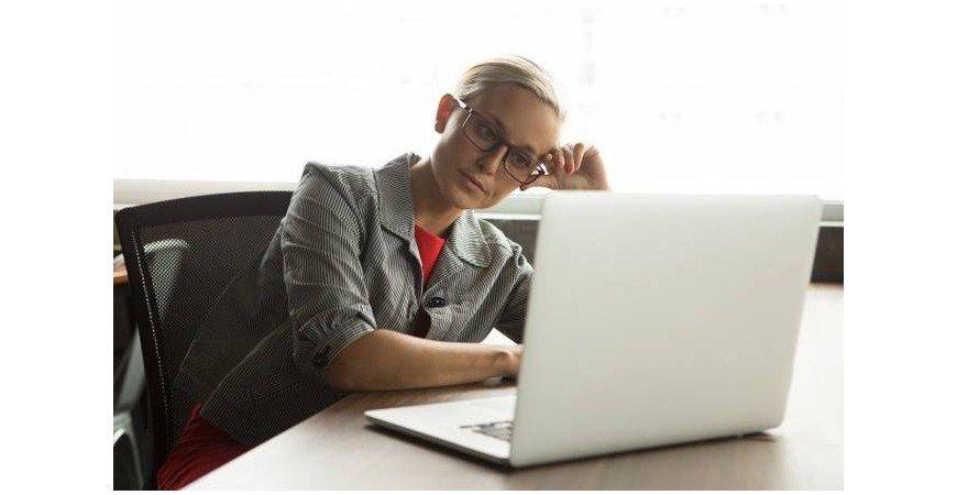 Evitar la procrastinación en el lugar de trabajo con los muebles de oficina adecuados.